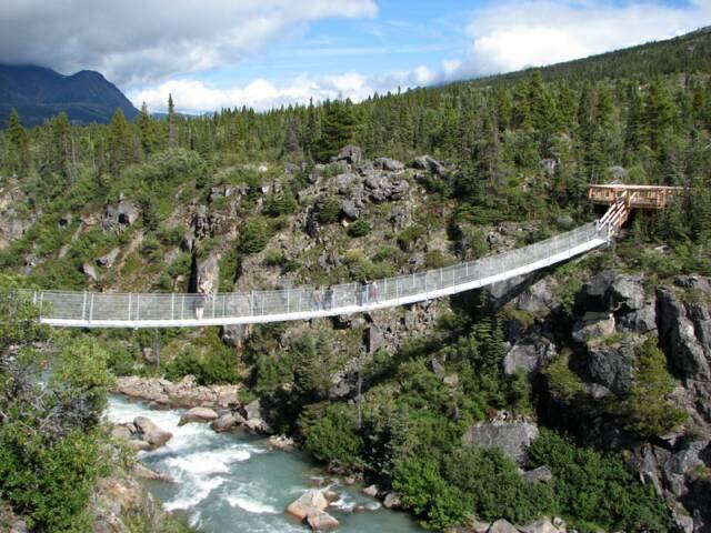 Yukon_suspension_bridge